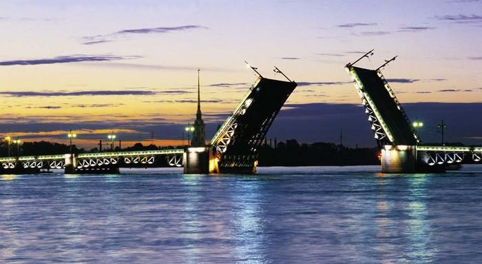 мост над Невой