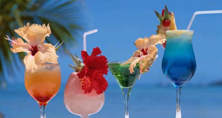 красочные коктели